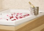 a-relaxing-bath--imagio32057734_02